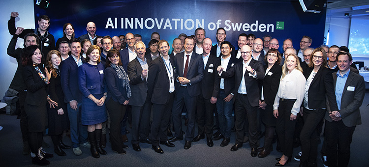The Minister for Energy and Digitalisation, Anders Ygeman, and all partners. Chalmers was represented by Ivica Crnkovic, seventh from the right.
