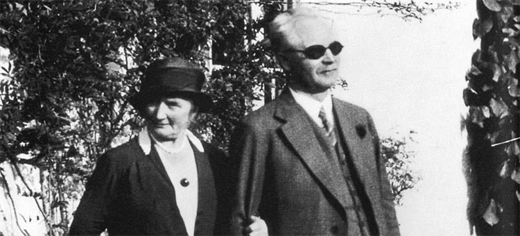 Black and white image of Gustaf Dalén together with his wife Elma.