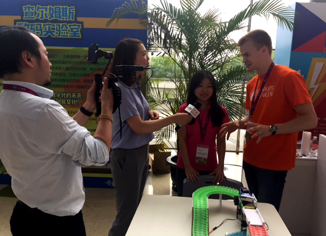 Gunnar Bolmvall interviewed by Chinese television. Photo: Madeleine Koncilja