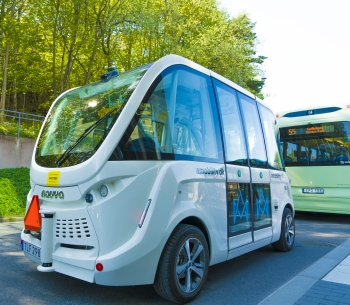 Self driving bus and electrical bus at Campus Johanneberg.