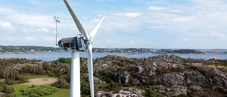 Drone photo of Chalmers' test wind turbine.