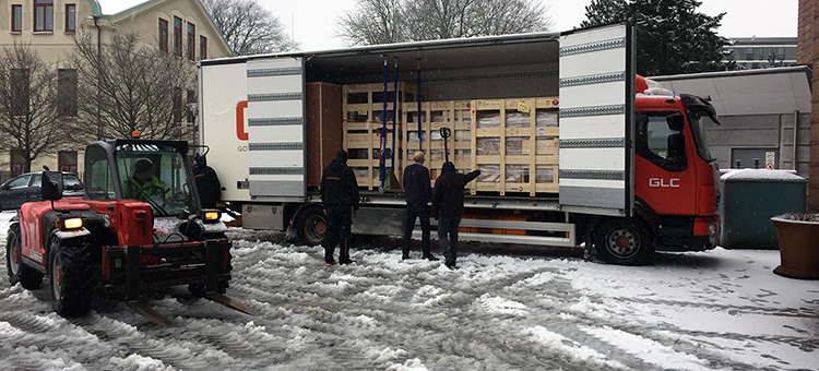 Electron microscope arrives at Chalmers